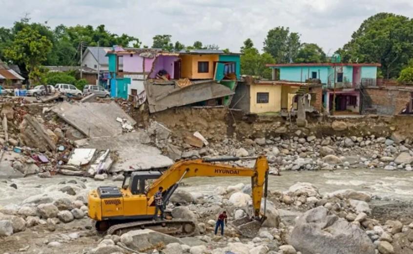 Mueren 138 personas en India por fuertes lluvias - Semanario Balún Canán